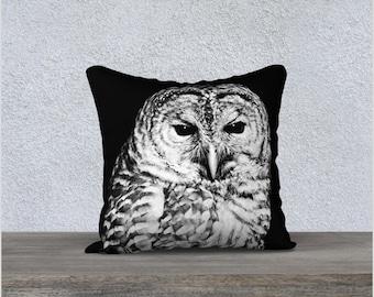 Pillow Cover, Black and White Barred Owl Face Velveteen Throw Cushion Case, Bird Theme Home Decor