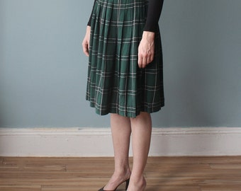 green tartan skirt | pleated plaid knee length skirt | 1990s small