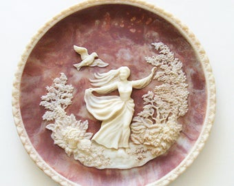 "Vintage ""To A Skylark"" Plate / 1979 Carved Incolay Solid Stone  / Romantic Poets Collection - Percy Bysshe Shelley  / Unique Gift Under 50"