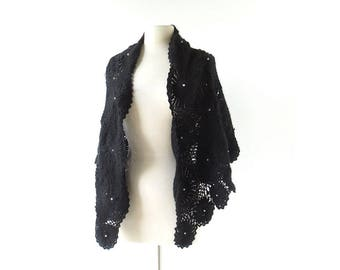 Vintage 1950s Shawl | Black Widow | Crochet Wrap