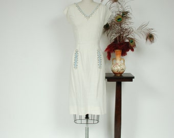 Vintage 1950s Dress - White Cotton Linen 50s Wiggle Dress with Pale Blue Trim, Rhinestones & Studs - Northern Beach