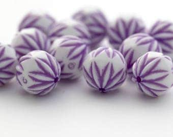 Etched Carved Faceted Purple White Acrylic Round Beads 13mm (12)