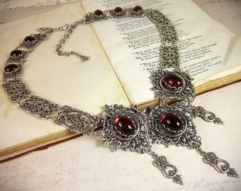 Red Renaissance Necklace, Garnet Victorian Jewelry, Medieval Wedding, Princess Bride, White Queen, Tudor Garb, Marie Antoinette, Chateau