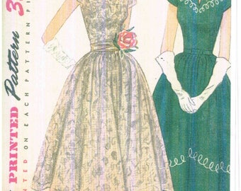 Vintage 1950s Party Dress Simplicity 3580 Sewing Pattern with Boat Neckline, Kimono Sleeves Size 16 Bust 34 Cut