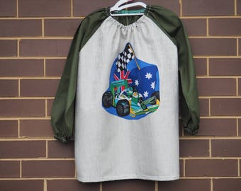 For age 9-12. Long sleeve waterproof kids art smock apron. Grand Prix.