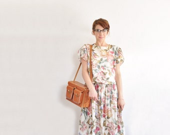 pink floral garden party dress . tulip sleeves . pleated midi skirt .medium .sale