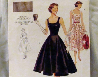 Sale Vogue Vintage Pattern 2902 1952 Dress Pattern