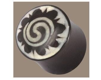 Horn and Bone Plug, Horn plug, Sun Ear Plugs With Inlay Borneo Cannibal Tribe Symbol, Ear Gauges, Organic Plugs, Eyelets, Tribal Plug