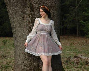 Size XS... Vintage Gunne Sax Dress... Gunne Sax Mini Dress... Lavender Floral