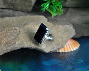 Black Obsidian Ring // Size 5.5, Sterling Basket Setting ~ Large Flat Rectangular Gemstone ~ 10 Grams // Vintage ~ Hallmarked 925