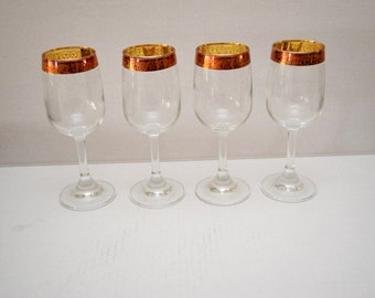 "Wine Glass Set of 4 with 1/2"" wide Embossed Rose Gold Band and 3/4"" Scrollwork Etching with Grapes"