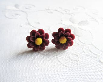 Matte Chrysanthemum Flower Earrings / Chrysanthemum / Mums / Flower / Post / Stud / Earrings / Flower Studs / Flower Posts / Wine / Red