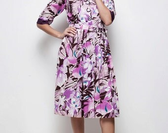 70s does 50s purple tropical floral pleated shirtwaist dress LARGE L short sleeves