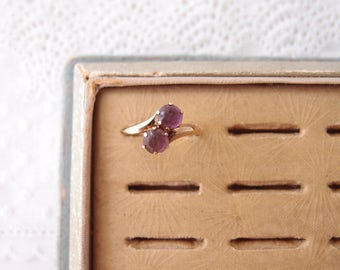 antique Toi et Moi ring PSCO 10k Gold crossover bypass Amethyst glass 2 stone Ring ... size 6.25