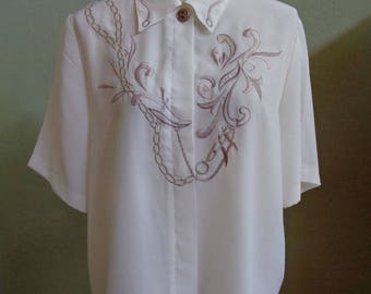 """Vintage Kathy Che Cream Short Sleeved Blouse with Front Gold Metallic, Beige & Brown Thread Embroidery Details Bust 45"""" Waist 45"""""""