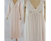 Vintage Seventies Nightgown - 1970's Shadowline Nightgown and Bed Jacket - 70's Pale Pink Robe and Gown - House Coat - Pegnior Set - Small