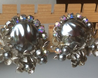 Beau Jewels Gray Faux Mabe Pearl Aurora Borealis Earrings - Haskell Style