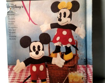 7635 Simplicity Mickey Mouse and Minnie Mouse 18 Inch Doll Pattern 1986
