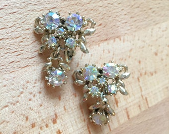 1950s Aurora Borealis Rhinestone Clip-On Earrings // Glittery Goldtone