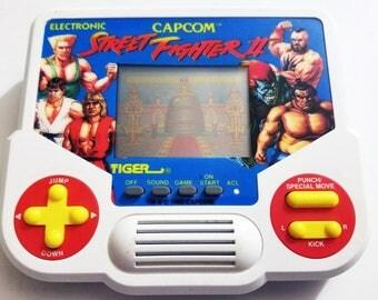 Vintage Street Fighter II Tiger Electronics Handheld Video Game 1988