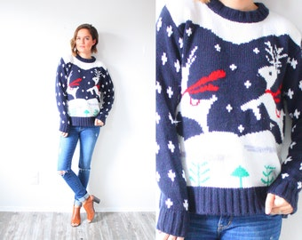 Vintage winter reindeer print sweater // christmas sweater // reindeer sweater // snowflake christmas jumper / ugly tacky cute christmas top