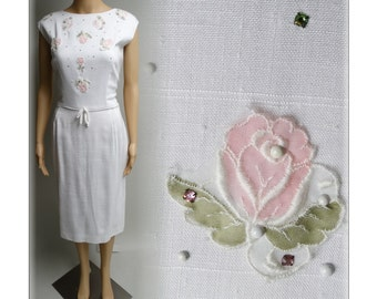 Vintage 1950s Dress//White//Rose Appliques//Nat Turoff//Rhinestones//Wiggle//Hourglass//New Look//Rockabilly//Mod//