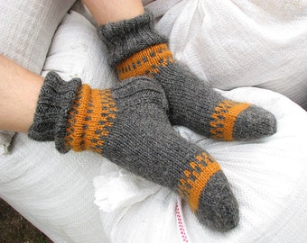 EU Size 41-42 - Hand Knitted Men's Socks - 100% Natural Wool
