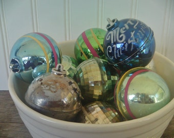 Vintage Tree Ornaments / Plastic Balls / Stripped Christmas Balls / Retro Christmas Ornaments