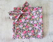 Bow-tie and pocket square floral gift set.