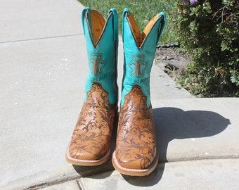 SALE, Tin Haul Cowboy Boots, Ladies Damask, Size 8.5