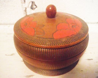 Pyrography box round poppies floral hand carved vintage trinket sewing brown orange Victorian antique pyrographic