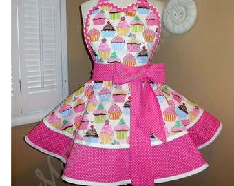 Cute Cupcake Print Woman's Retro Apron Accented With Mini Polka Dots, Featuring Heart Shaped Bib