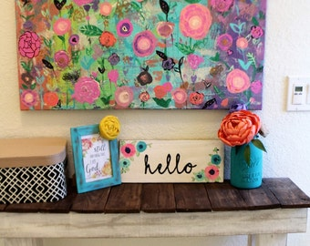 Pallet wood hello sign. Colorful hello sign with flowers.