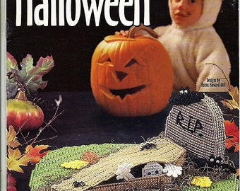 Peek-A-Boooo Halloween Plastic Canvas Pattern  Book House of White Birches 186003