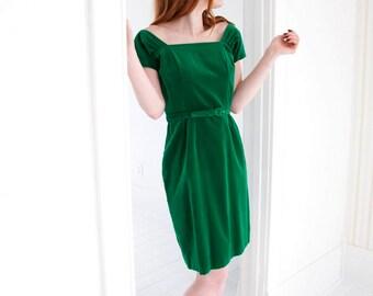 Vintage green velveteen dress, 1950s sheath pin-up, S M