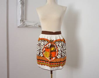 70s Vintage Mod Kitchen Apron with Brown White Yellow Fruit Flowers