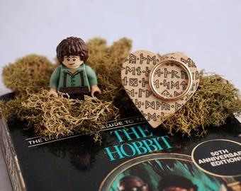 Hobbit LOTR Wooden Heart Brooch