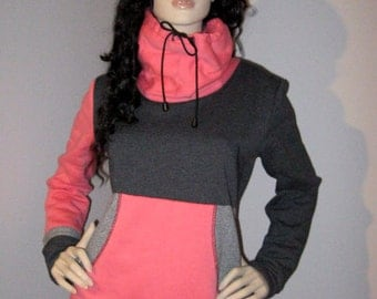 Pink and grey woman hoodie with big neckband