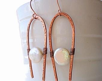 Copper earrings, oxidised earrings, Hammered Earrings, brass earrings, rustic earring, Artisan earrings, geometric earrings, pearl earrings