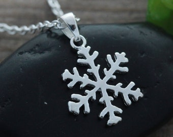 Sterling silver Snow flake necklace, Silver Snowflake, Choose chain, Let it Snow. Snow Flake Jewellery. Small Snowflake Jewelry. R-198_1