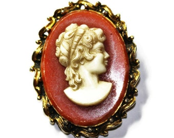 Large Gold Coloured Faux Cameo Brooch (c1960s)