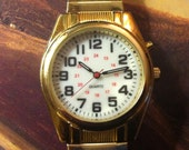 Vintage Mens Watch, 24 Hour Dial, Gold color bezel, white dial, Quartz battery, Red Sweep Seconds, Twist Type Band, FREE SHIPPING