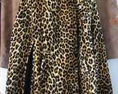 50s/60s Leopard Cape, One Size // Vintage Rockabilly Leopard Cape w/ Cat Eye Buttons and Mandarin Collar