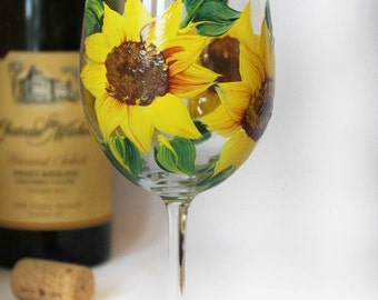 Hand Painted Sunflower Wine Glass-Yellow Sunflower decor, Hand Painted Wine Glass- Gifts for her- Wine Glass- Sunflower Gifts- Bridal favors