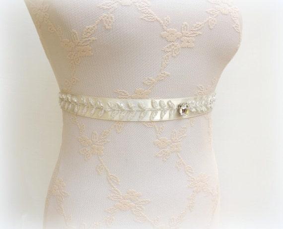 Lace sash. Ivory sash. Beaded leaf sash. Swarovski crystal sash. Sparkly sash. Embroidered leaves sash. Wedding sash. Bridal sash belt.