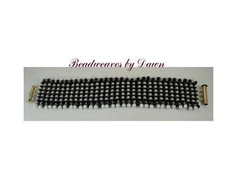 Black and White Bracelet, Peyote Bracelet, Beaded Bracelet, Seed Bead Bracelet, Cuff Bracelet, Beadwoven Bracelet, Beaded Cuff, Ladies Cuff