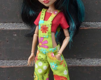 Overall and t-shirt for Monster High dolls.
