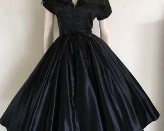 Stunning 40s Black Satin Formal Gown / Small Medium / Large Collar