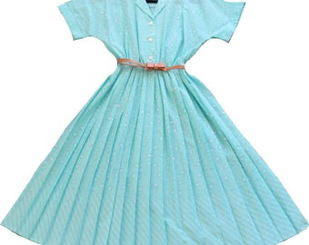 Perfect 80s Retro Summer Shirt Dress / Medium Large / Pleated Skirt