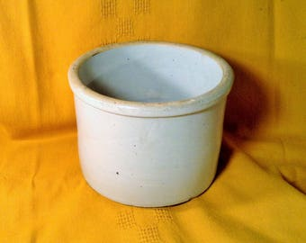 Large Unmarked Redwing Crock - Off White Color Glazed Crock - 5 1/2 Inches Tall, 7 Inch Diameter